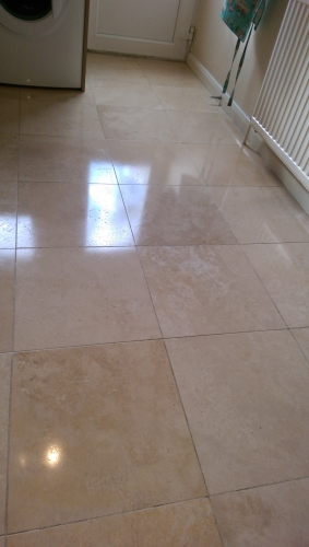 Diamond polished travertine